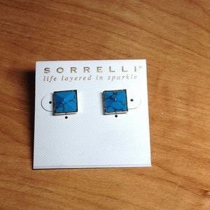 Sorrelli turquoise post earrings in gold tone NEW